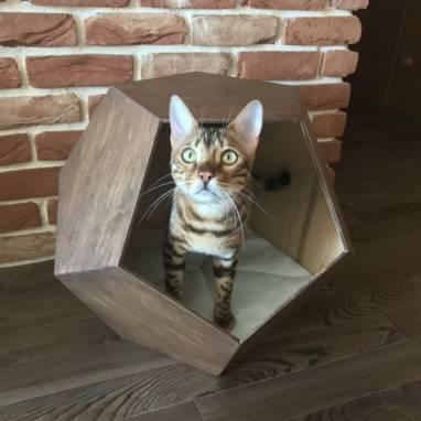 Домик для домашних животных. ручной работы
