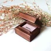 Коробочка для кольца деревянная